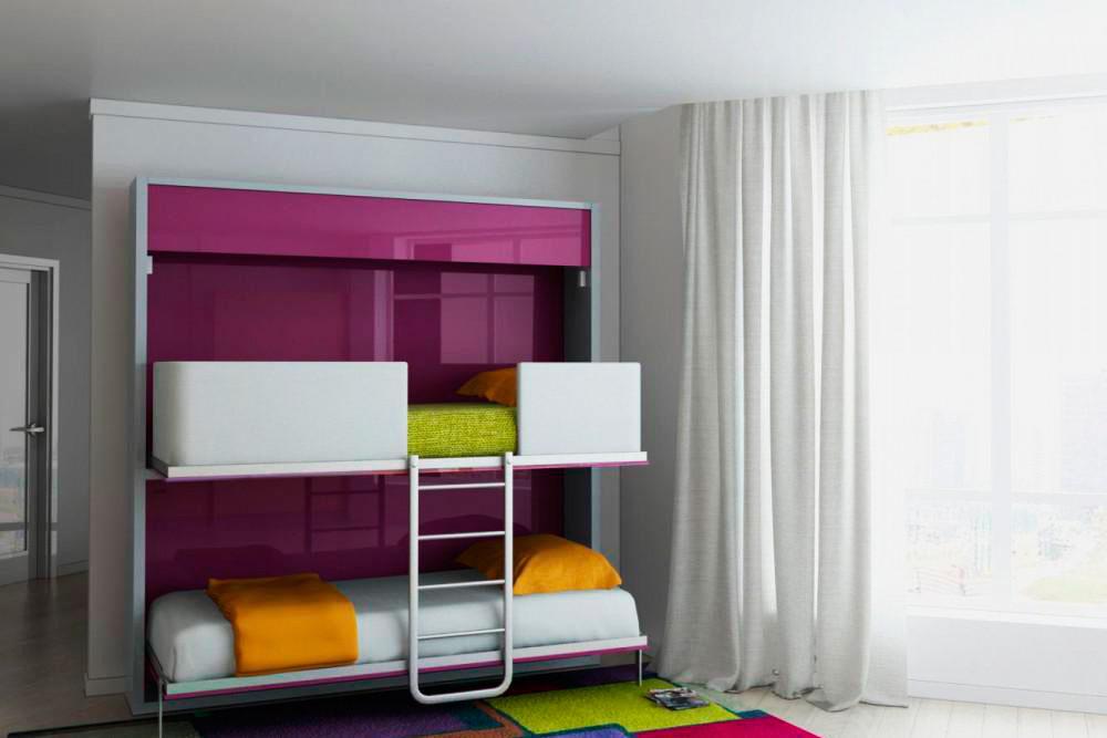 Фото двухъярусной откидной шкаф кровати с глянцевыми фасадами в интерьере