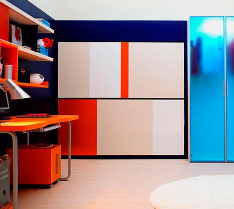 Фасад шкафа с двумя встроенными кроватями