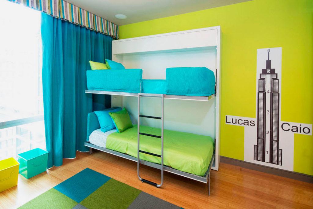 Двухъярусная шкаф-кровать в интерьере детской комнаты