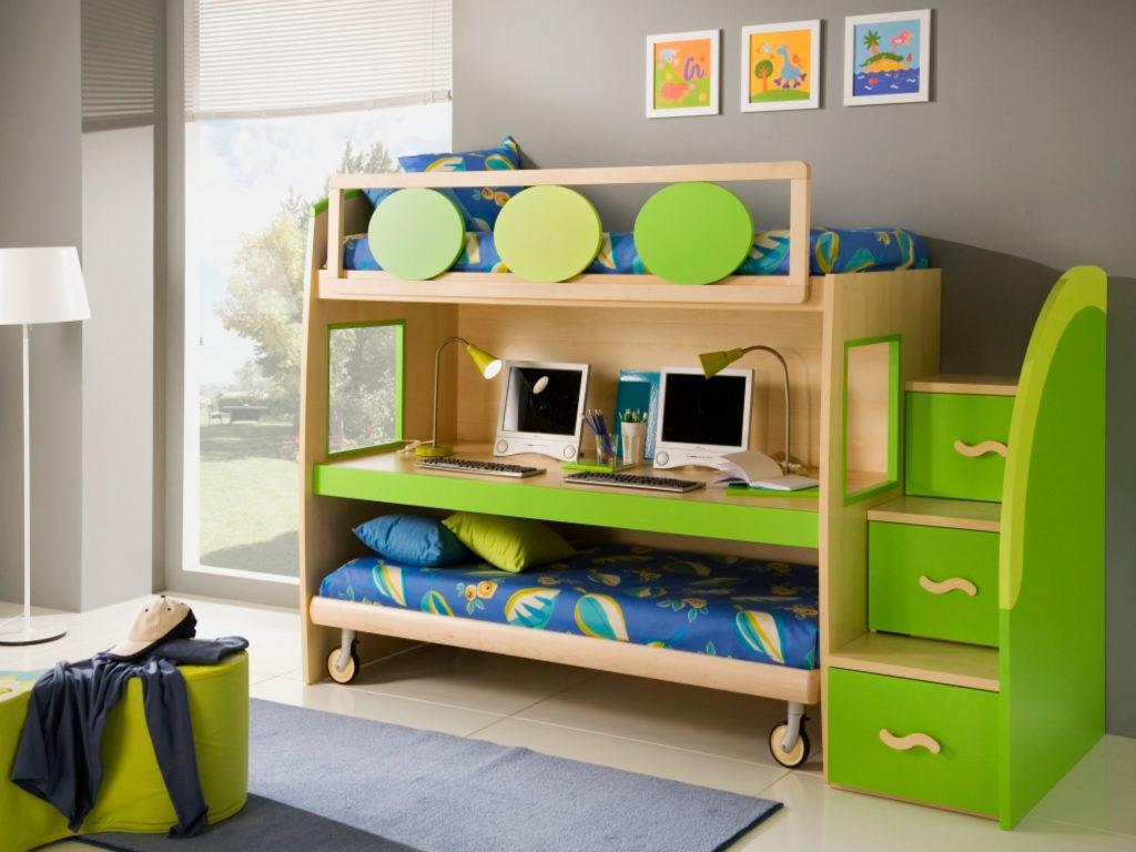 Двухъярусная кровать со столом и выкатной независимой нижней кроватью