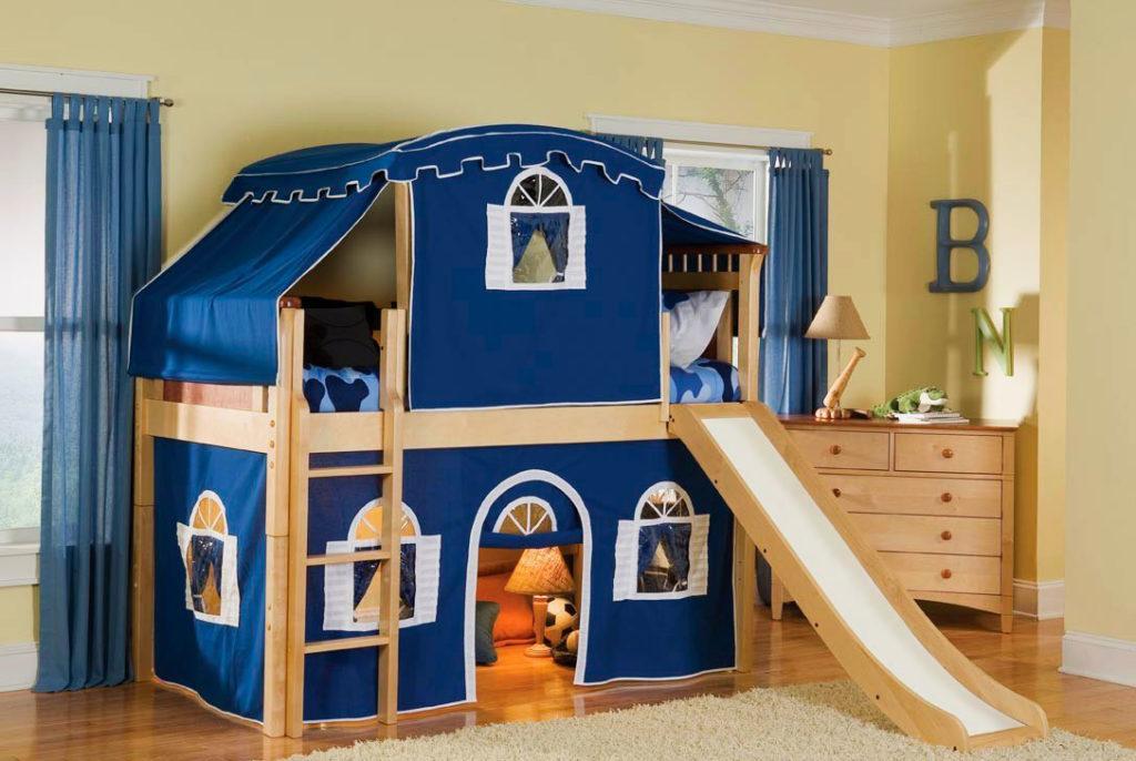 Детская кровать-домик с горкой