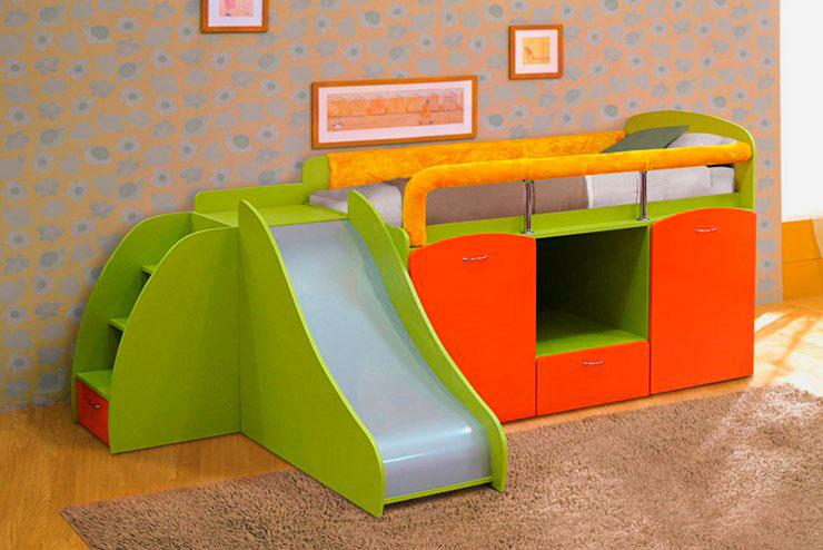 Фото маленькой детской кровати с горкой