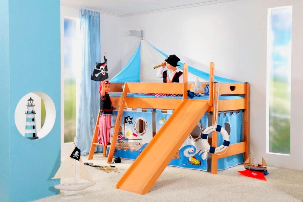 Кровать чердак для детей с встроенной горкой