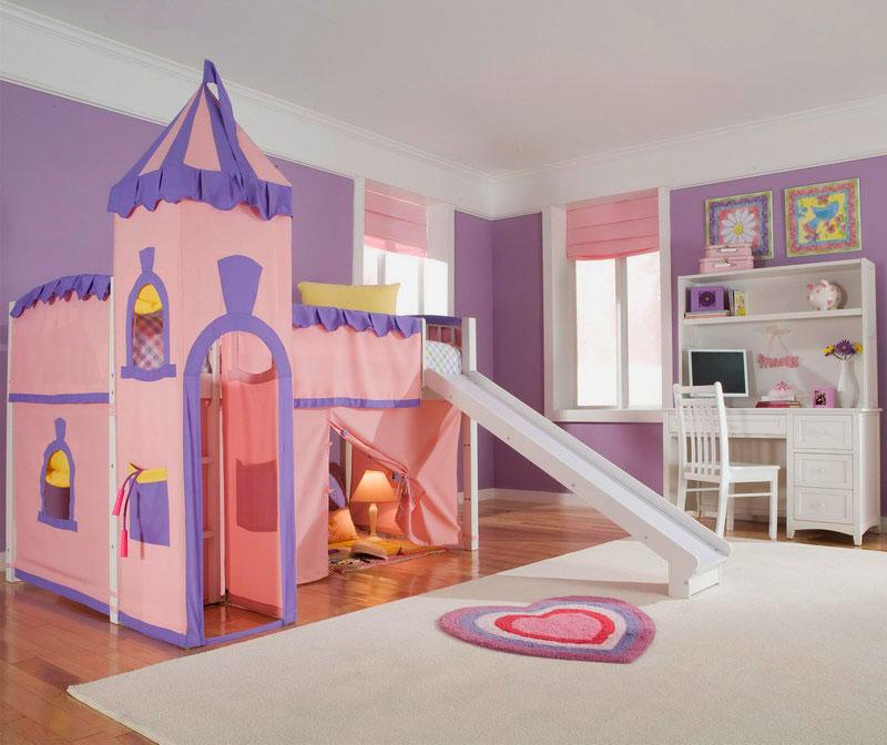 Кровать домик с горкой для девочек в виде замка