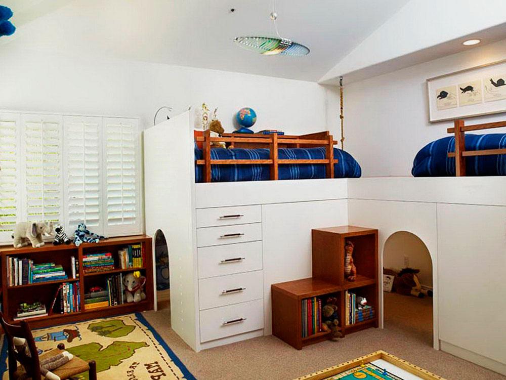 Большая угловая двухместная кровать-чердак с игровым пространством внизу