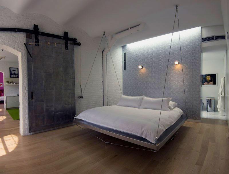 Подвесная кровать с двумя точками крепления к потолку