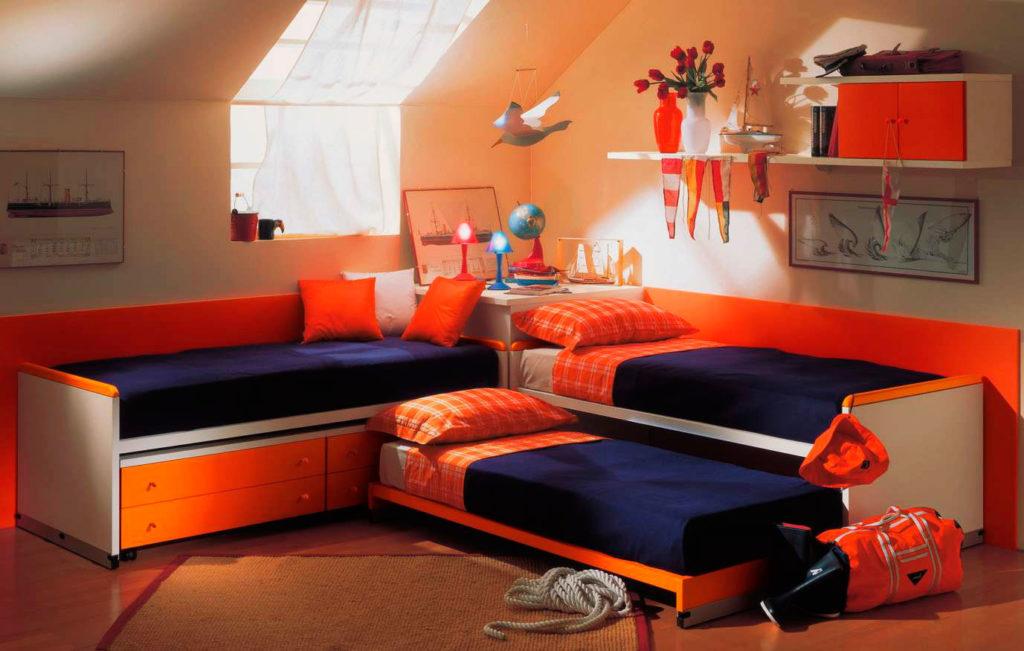 Фото детской комнаты с тремя кроватями
