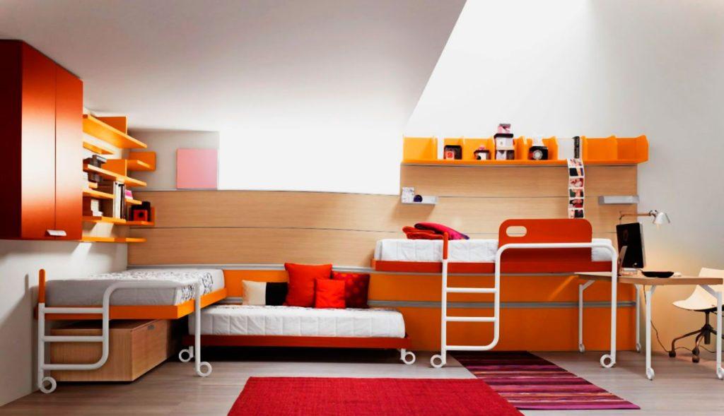 Фото детской комнаты с тремя кроватями в интерьере