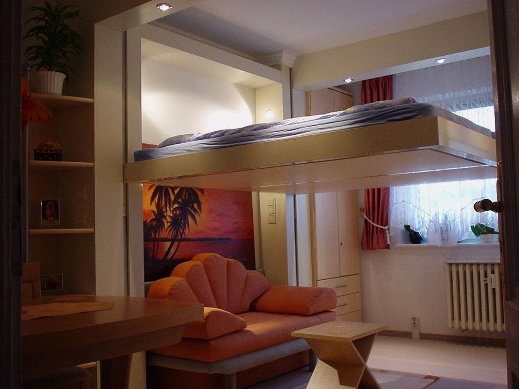 Фото подъёмной лифт кровати в интерьере комнаты