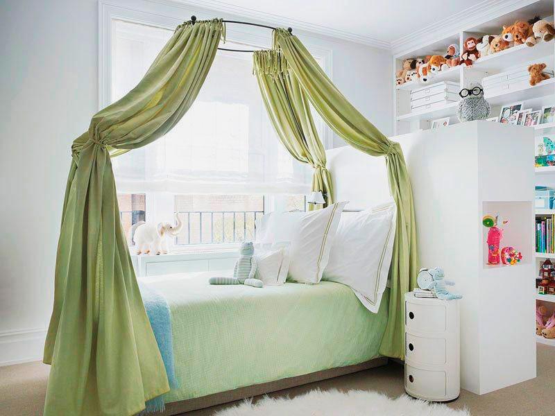 Плотный балдахин над кроватью в детской комнате