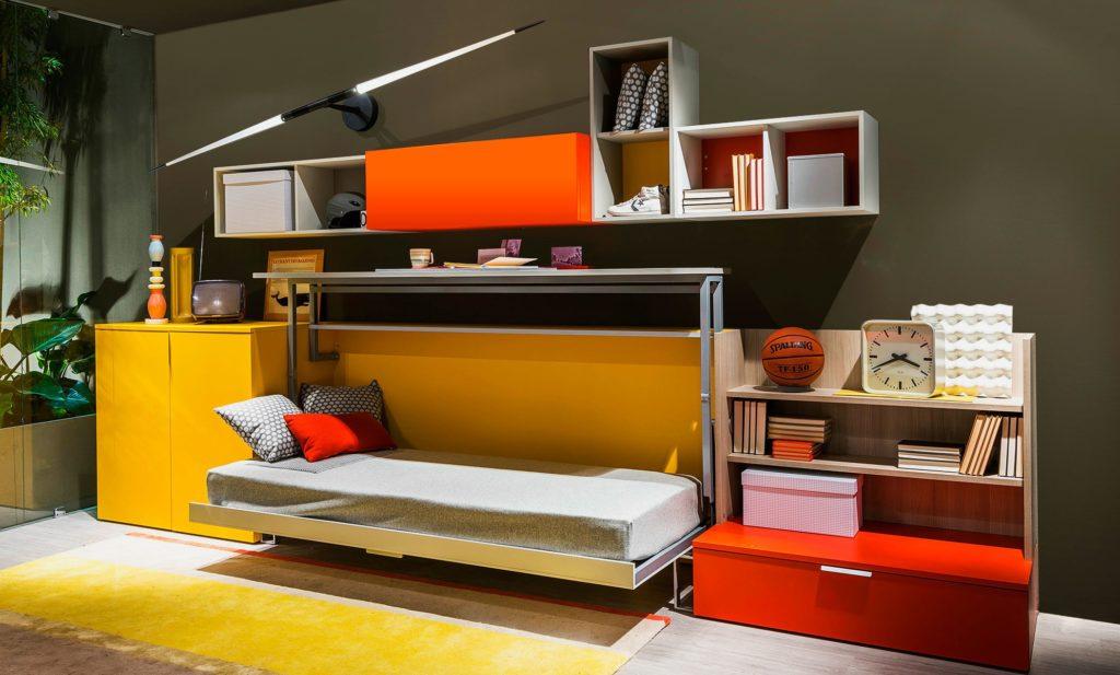 Кровать трансформер с поднимающимся вверх столом