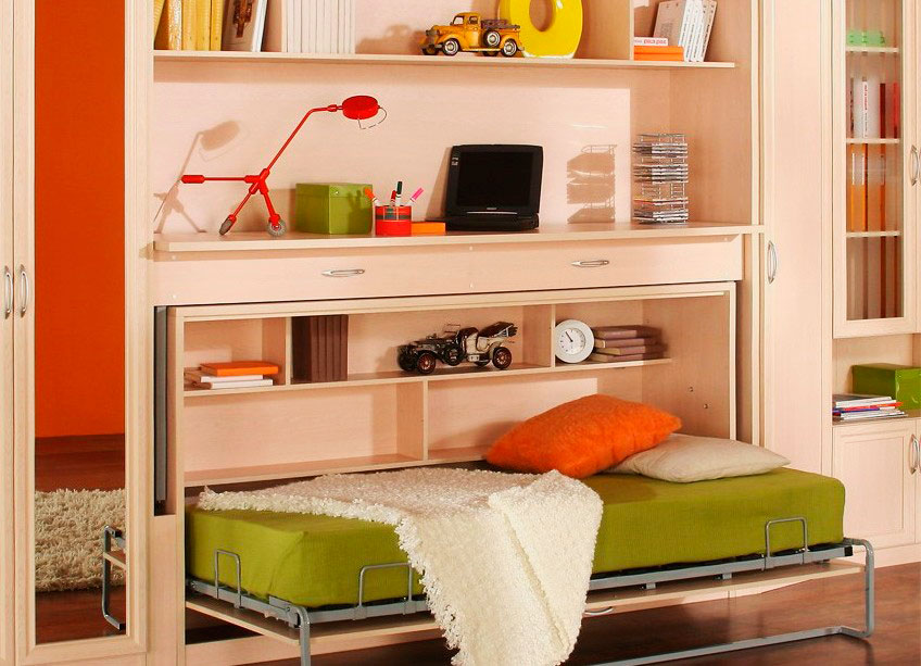 Кровать трансформер со столом в интерьере детской комнаты