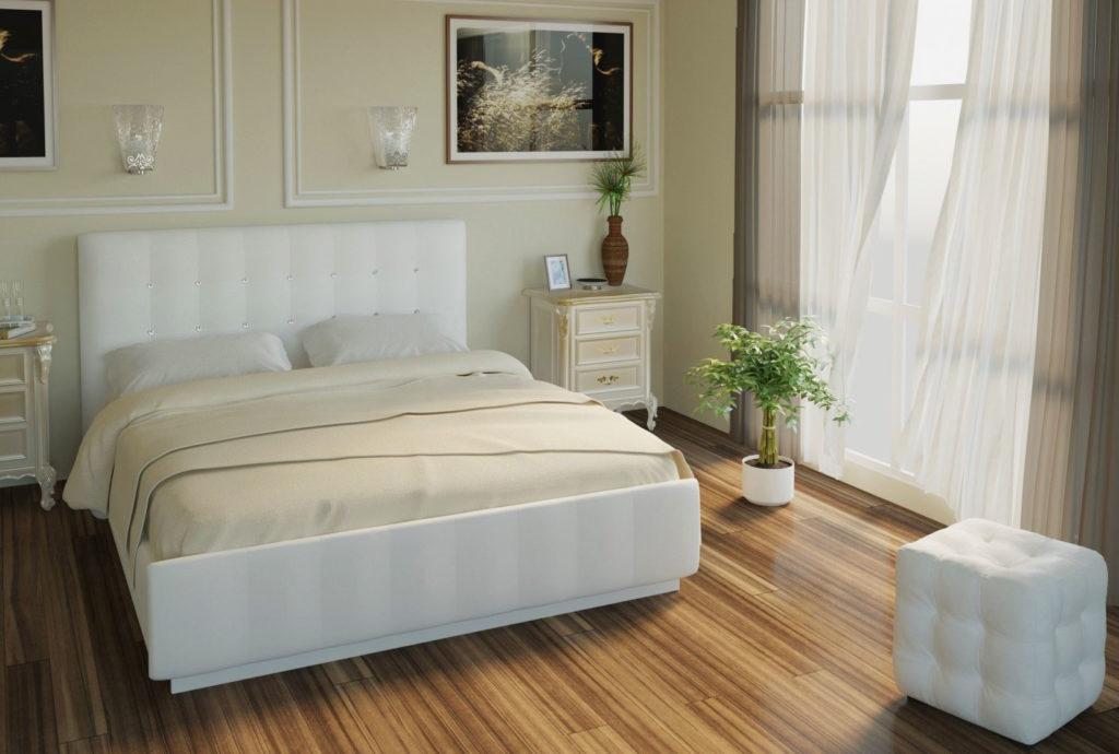 Фото мягкой двуспальной кровати с высоким ортопедическим матрасом