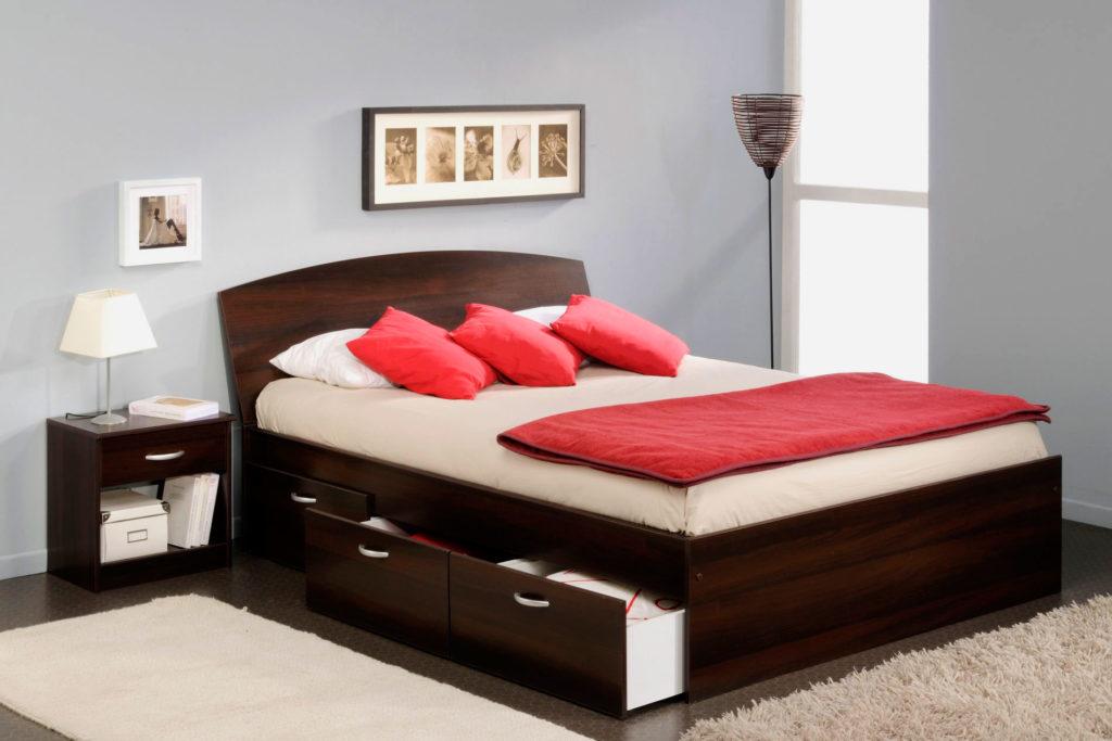 Двуспальная кровать со встроенной системой хранения
