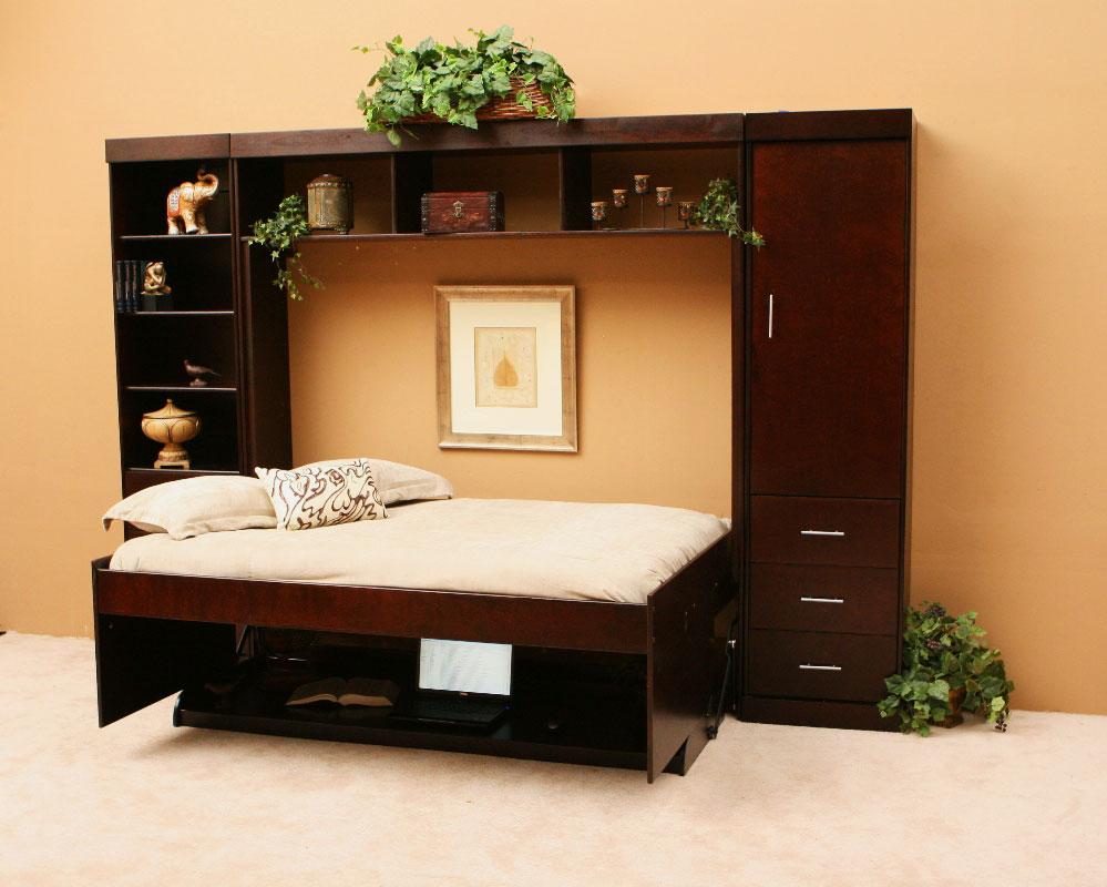 Фото двуспальной горизонтальной шкаф-кровати со столом