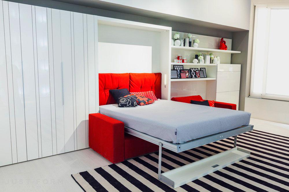 Двухместная кровать трансформер с диваном и полкой на фасаде