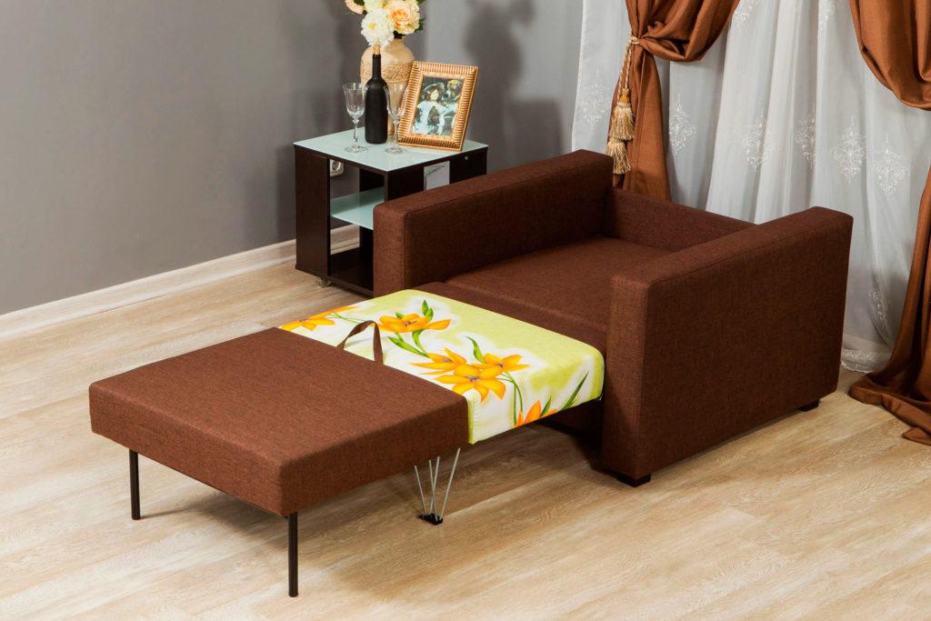 Кресло с раскладываемым спальным местом