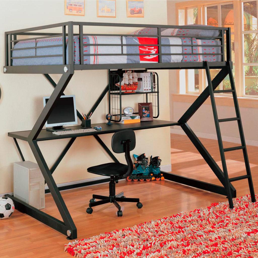 Металлическая кровать-чердак с прямым столом внизу
