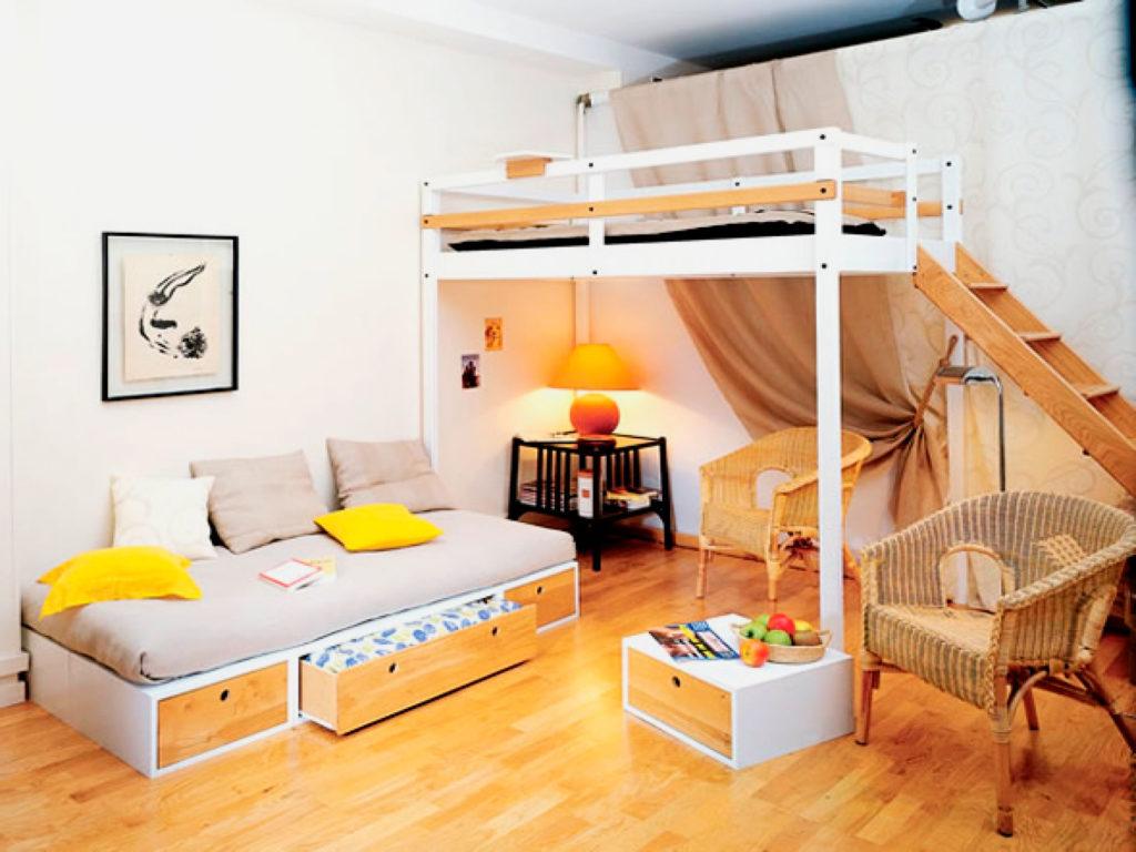 Классическая кровать-чердак со свободной организацией пространства внизу