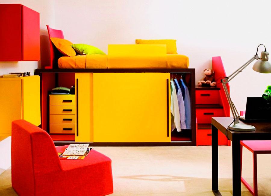 Кровать-чердак со шкафом купе внизу
