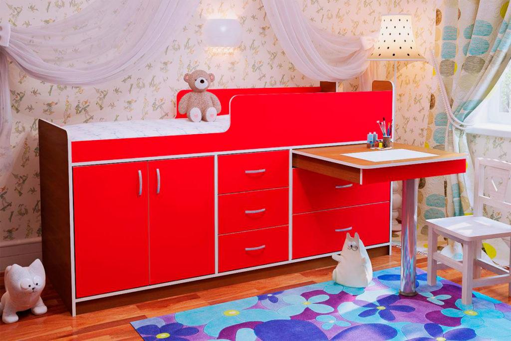 Низкая кровать-чердак с выдвижным столом на ножке
