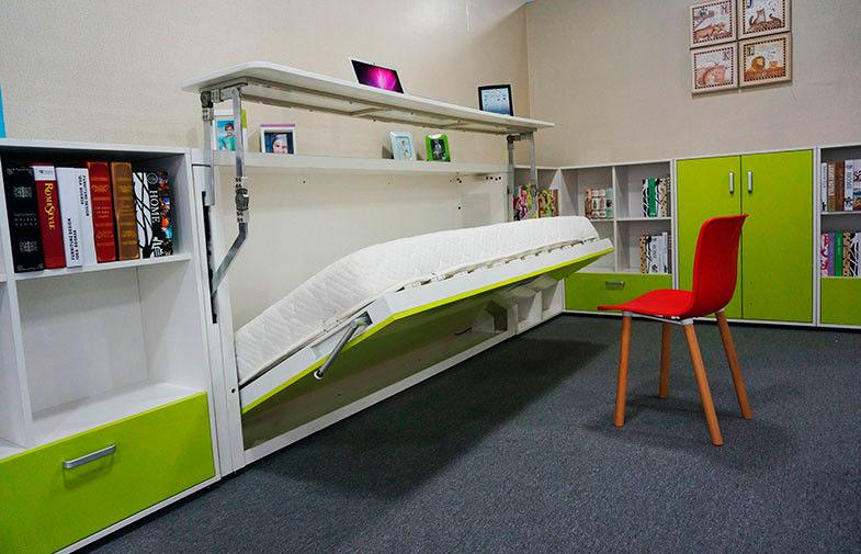 Откидная кровать-комод с трансформируемым столом