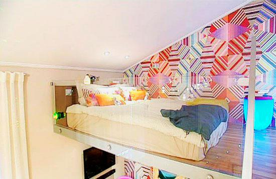 Фото спального места расположенного под потолком