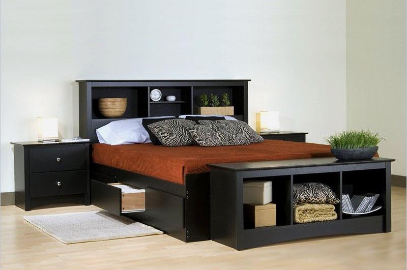 Фото кровати с полками в изножье