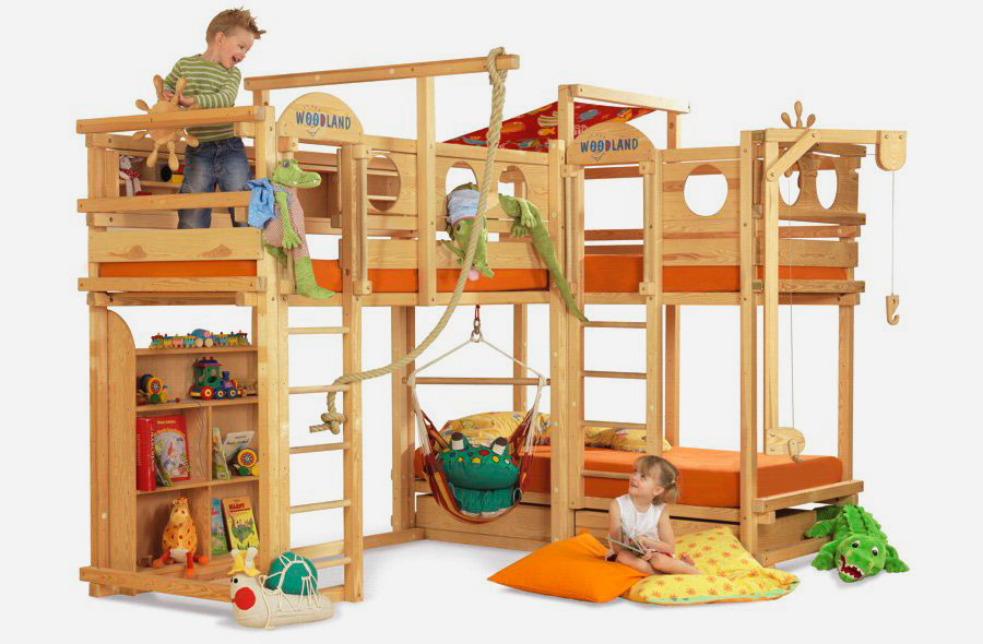 Двухъярусная детская кровать совмещенная со спортивным комплексом