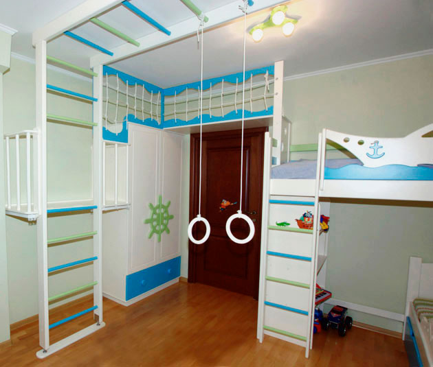 Двухъярусная кровать совмещенная со спортивной зоной
