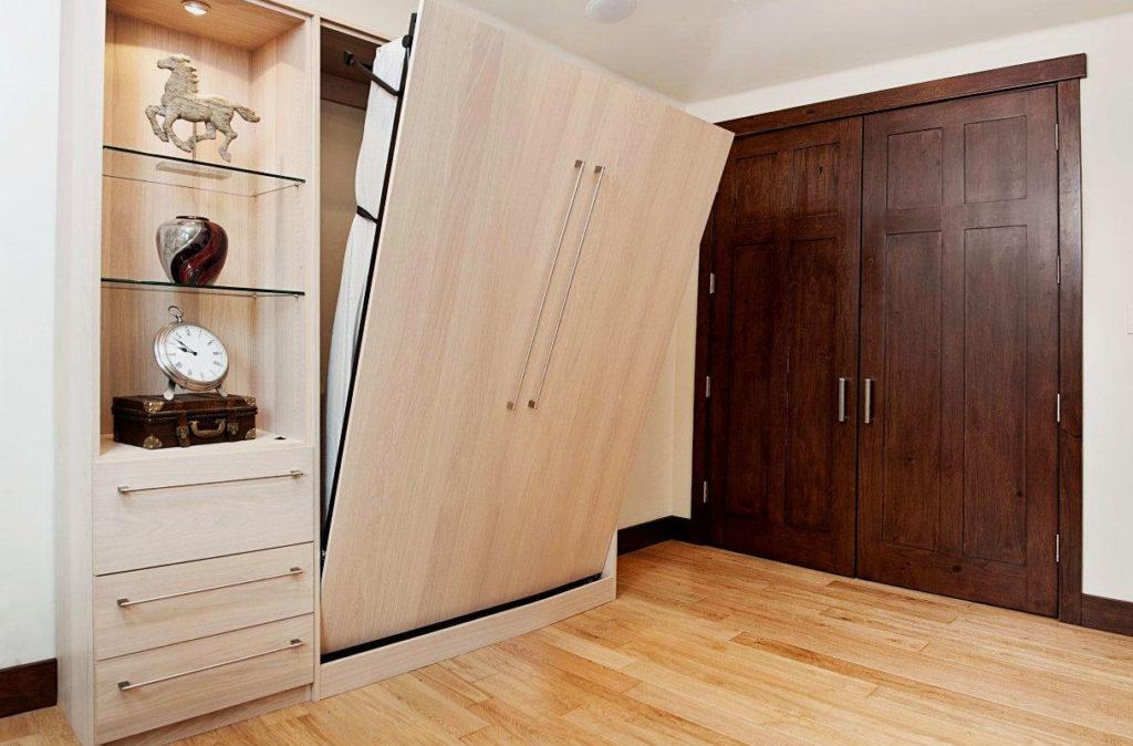 Двуспальная шкаф кровать