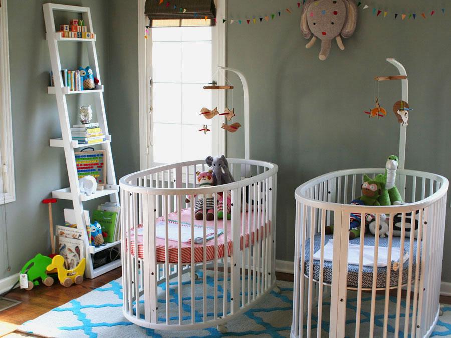 Две полукруглые кровати трансформера для новорожденных