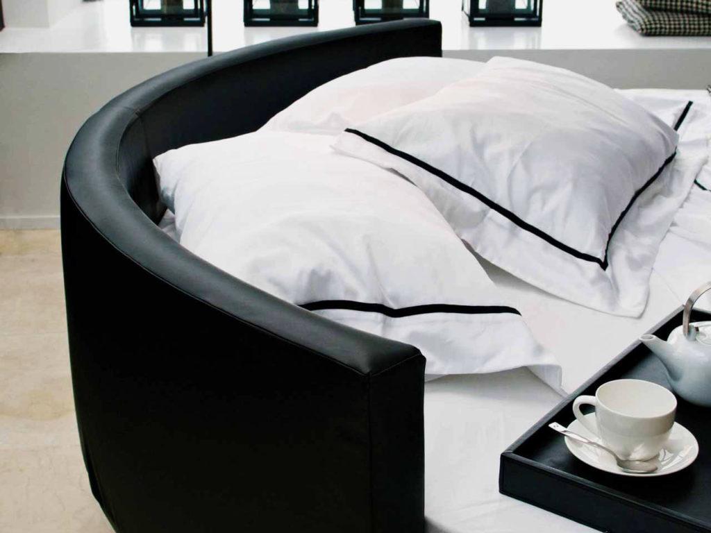 Фото мягкого изголовья круглой кровати