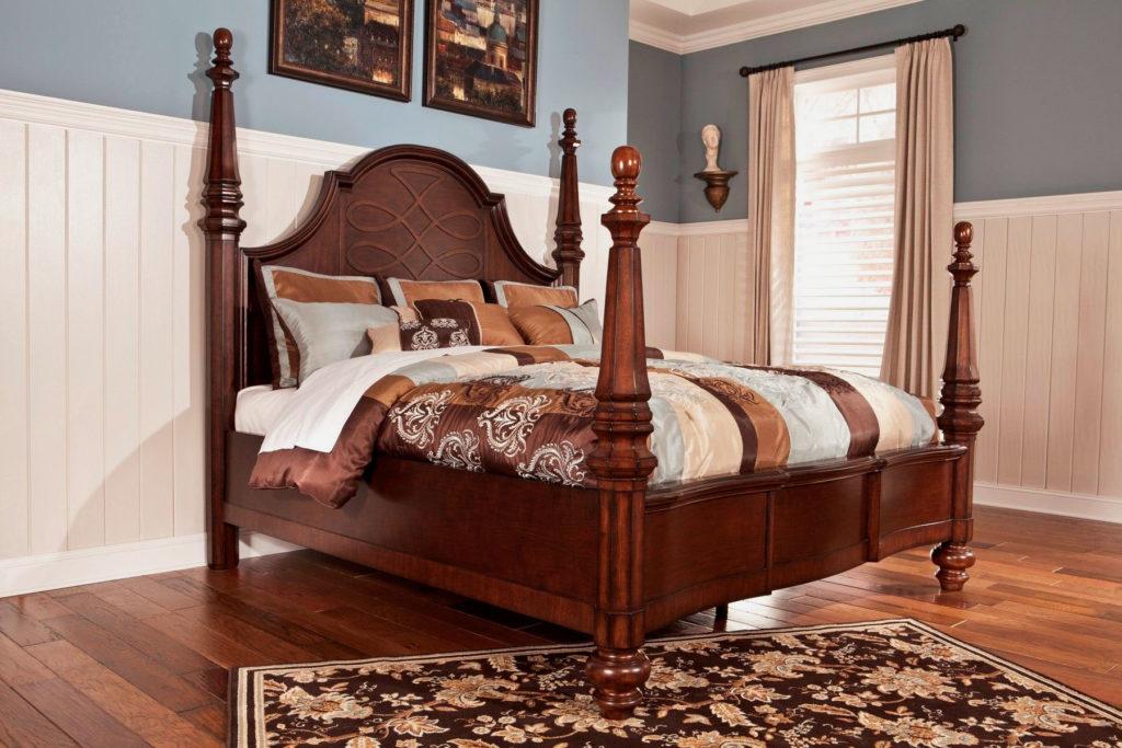 Большая кровать королевского размера