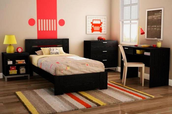 Узкая односпальная кровать