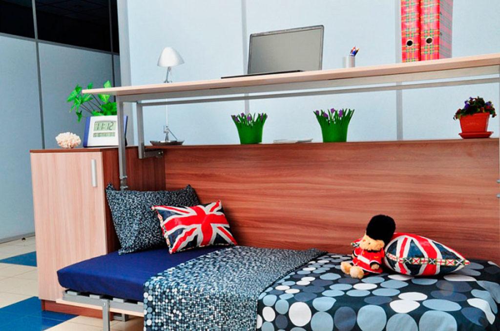 Кровать трансформер со столом поднимающимся вверх