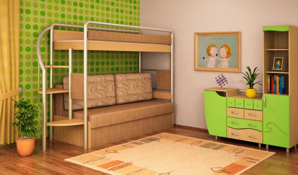 Детская комната с деревянной кроватью-чердаком с металлическими бортиками и диваном внизу