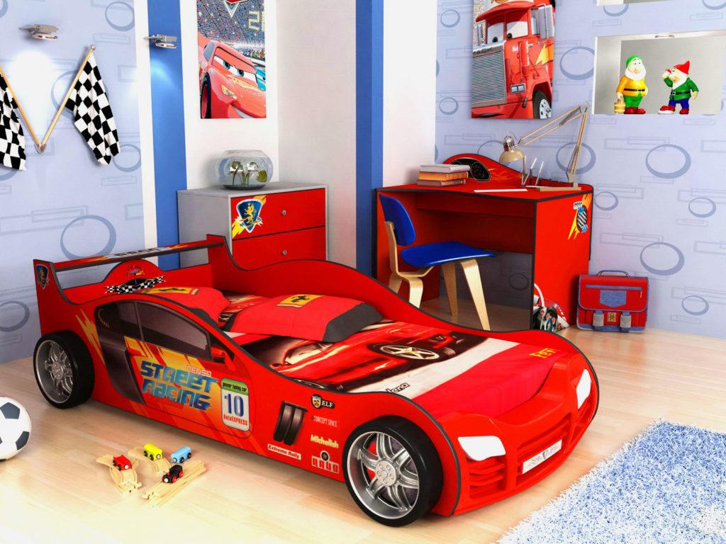 Красная кровать-машина для мальчика в виде гоночного автомобиля