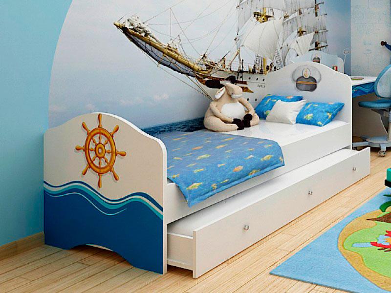 Классическая кровать матрешка для детей в морском стиле