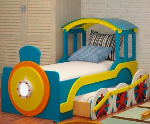Кровать в виде паровоза с выдвижным дополнительным спальным местом