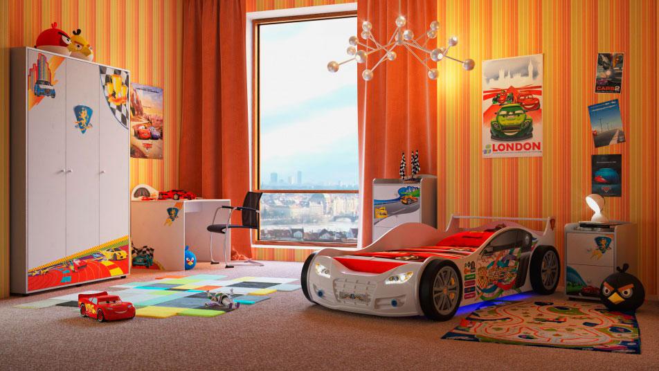 Интерьер детской комнаты мальчика с кроватью-машиной в интерьере
