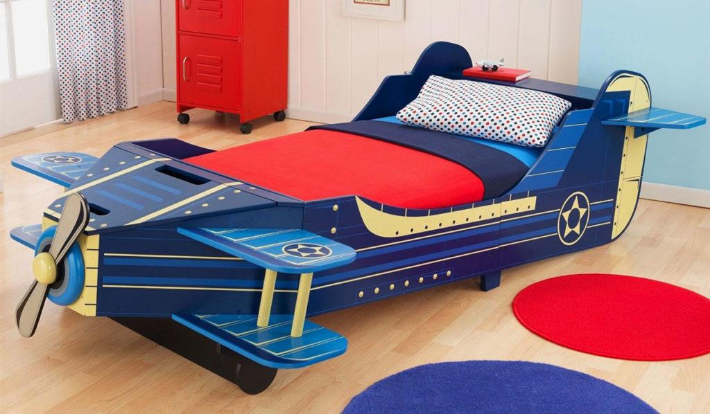 Кровать-самолет для мальчика