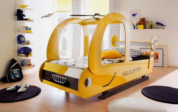 Детская кровать для мальчиков в виде жёлтого вертолёта