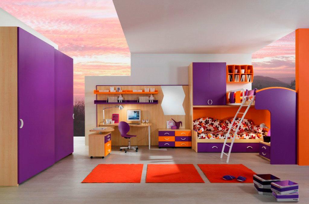 Угловая двухъярусная кровать в современном интерьере детской комнаты