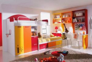 Двухъярусная кровать для девочек в интерьере комнаты
