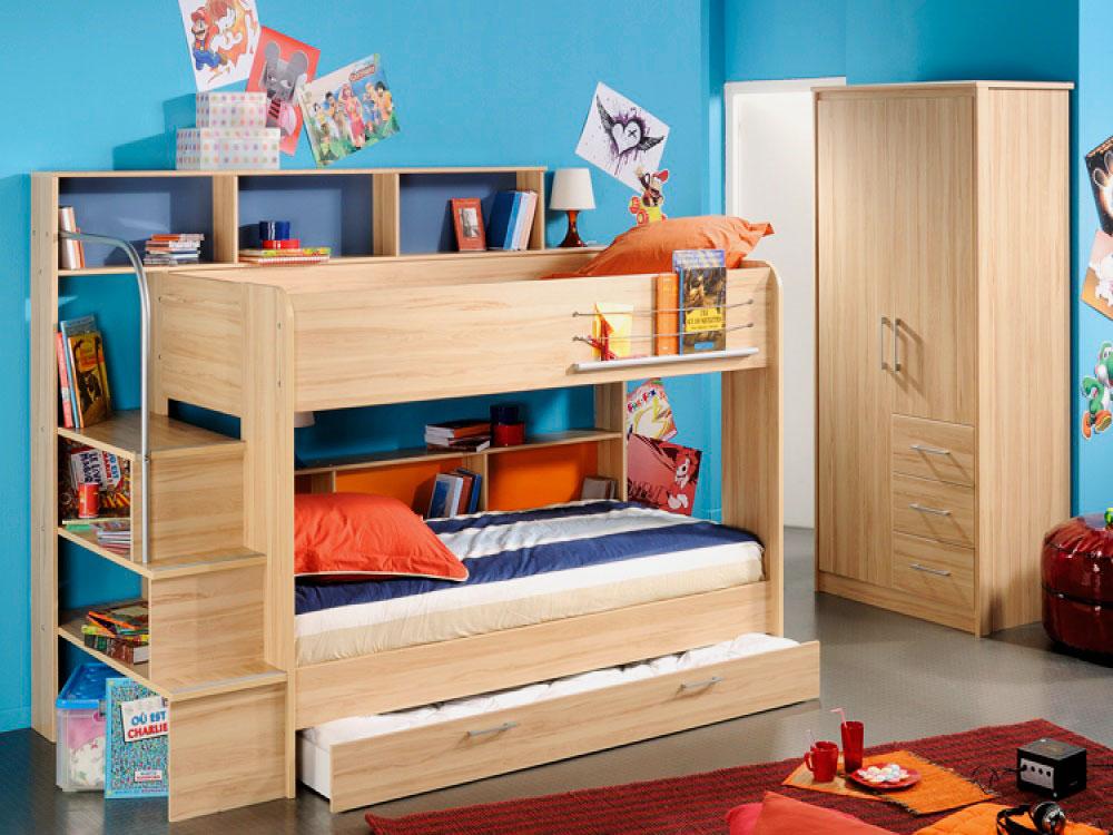 Модель двухъярусной кровати с тремя спальными местами