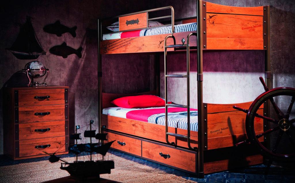 Двухъярусная кровать для мальчиков в пиратском стиле