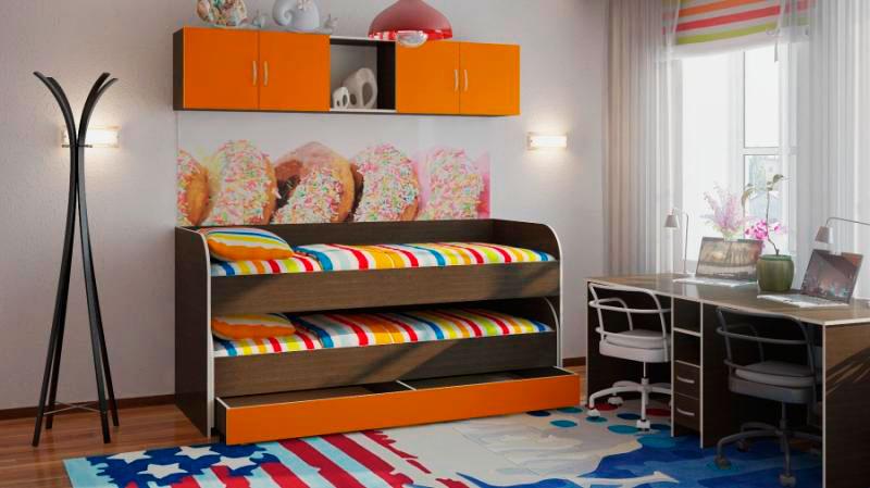 Фото двухъярусной кровати-матрешки для мальчиков