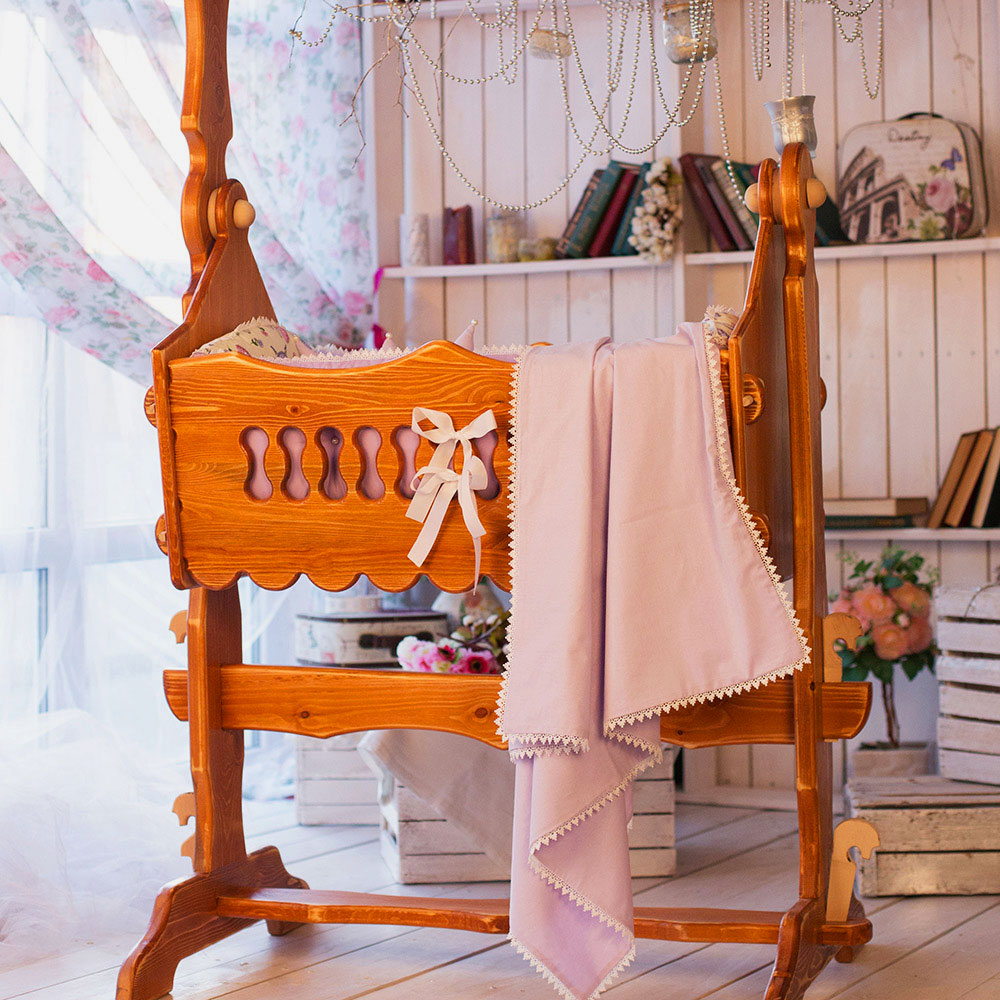 Деревянная колыбель для новорожденных