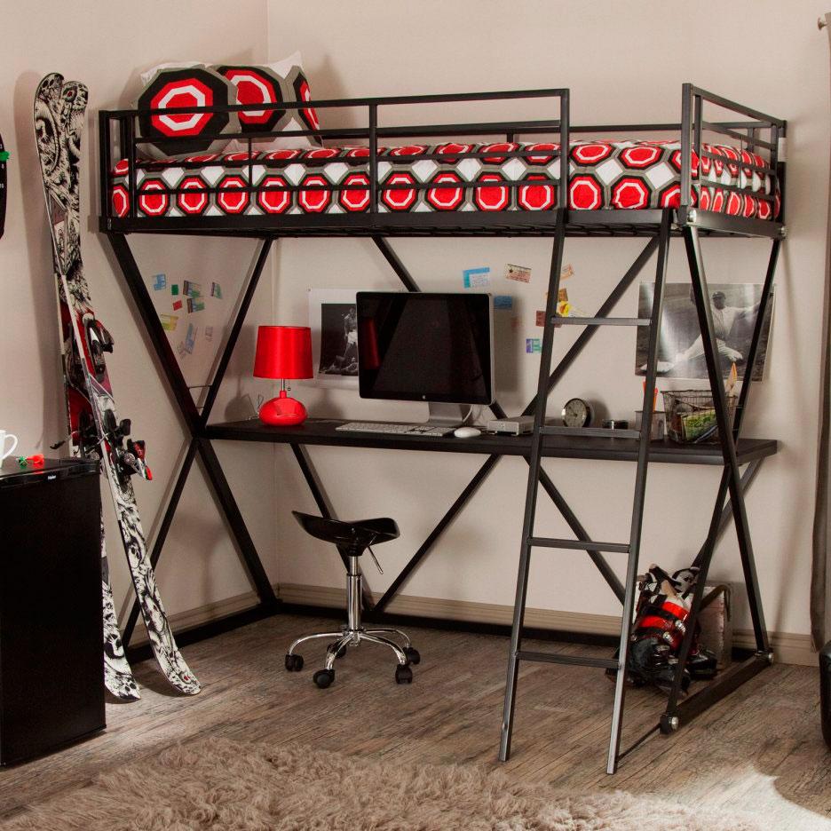 Кровать-чердак в интерьере комнаты подростка